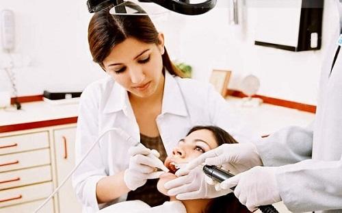 phụ nữ mang thai có nên lấy cao răng 3