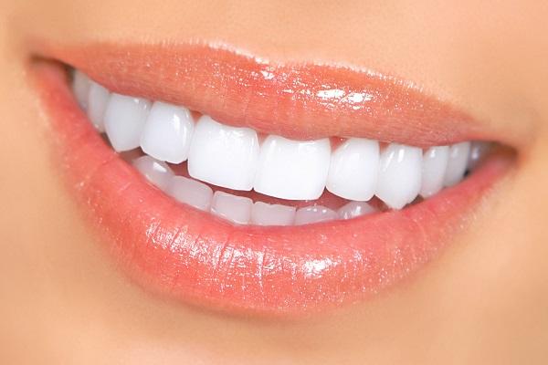 bọc mão răng sứ 2