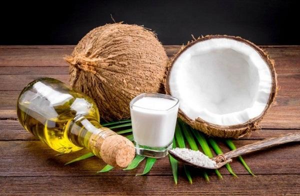 lấy cao răng bằng dầu dừa 3