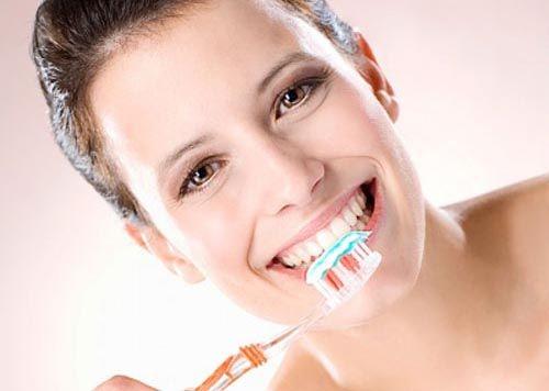 Răng sứ có bị sâu không 2