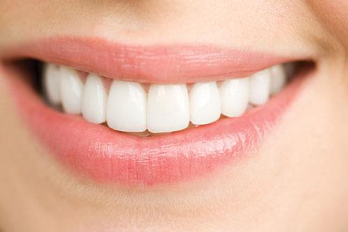 lấy cao răng bằng phương pháp tự nhiên