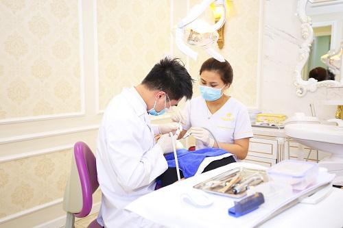 lấy cao răng độ 3